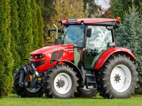 Bemutatták az új román traktort
