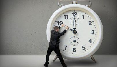 Az Európai Parlament támogatja az óraátállítás eltörlését
