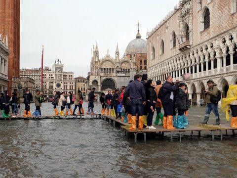 Értékes műalkotások áztak el Velencében