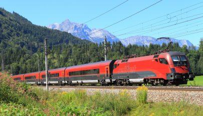 Vasárnap indítják az első vendégmunkásokat szállító különvonatokat Ausztriába