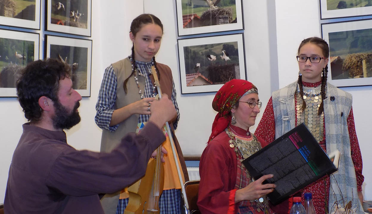 Udmurt-est a baróti múzeumban