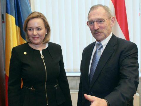 Megbeszélést folytatott Budapesten a román és a magyar belügyminiszter
