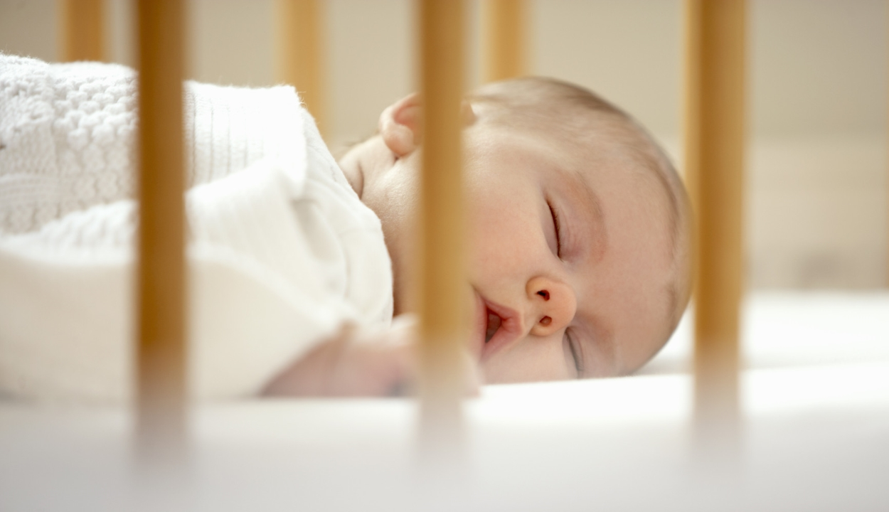 Világszerte drasztikusan csökken a születésszám