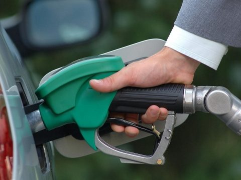 Tíz éve nem voltak ilyen olcsók az üzemanyagok