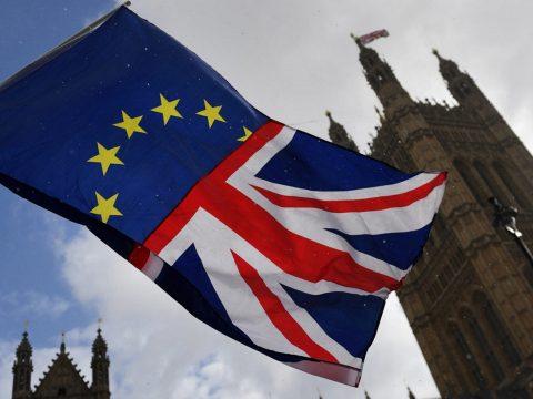 Brexit: Aláírták a megállapodást az EU-s vezetők