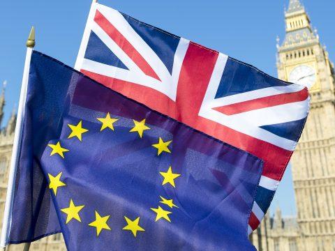 Legfeljebb júliusig hosszabbítható meg a Brexit határideje az EP főtárgyalója szerint