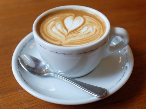 Délutáni szunyókálást tervez? Igyon előtte kávét!