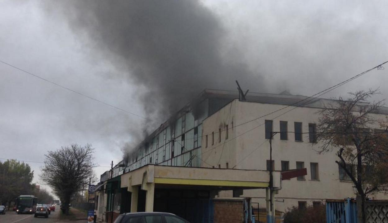 Tűz volt a kudzsiri fegyvergyárban, egy személy meghalt