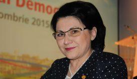 Aláírta Johannis Ecaterina Andronescu tanügyminiszteri kinevezését
