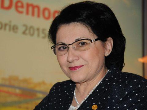 Visszakozott az oktatási miniszter az elsősök buktatása kapcsán
