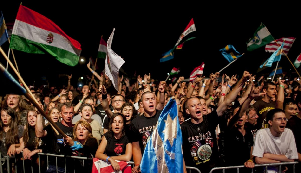 Nagy-Magyarország-pólós fiatalok után vizsgálódik a rendőrség
