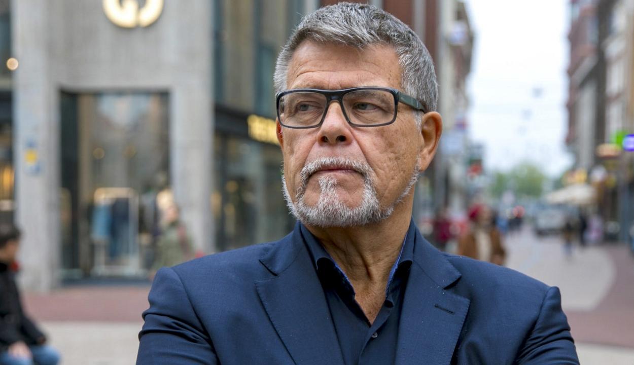 Pert indított egy holland férfi, hogy 69 helyett 49 éves lehessen