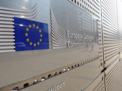 Az Európai Bizottság határozott intézkedéseket ígért a román jogállamisági helyzet ügyében