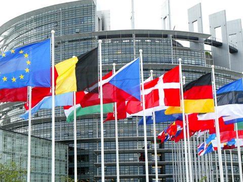 EP-választás: stabil európai néppárti előnyt jeleznek a közvélemény-kutatások