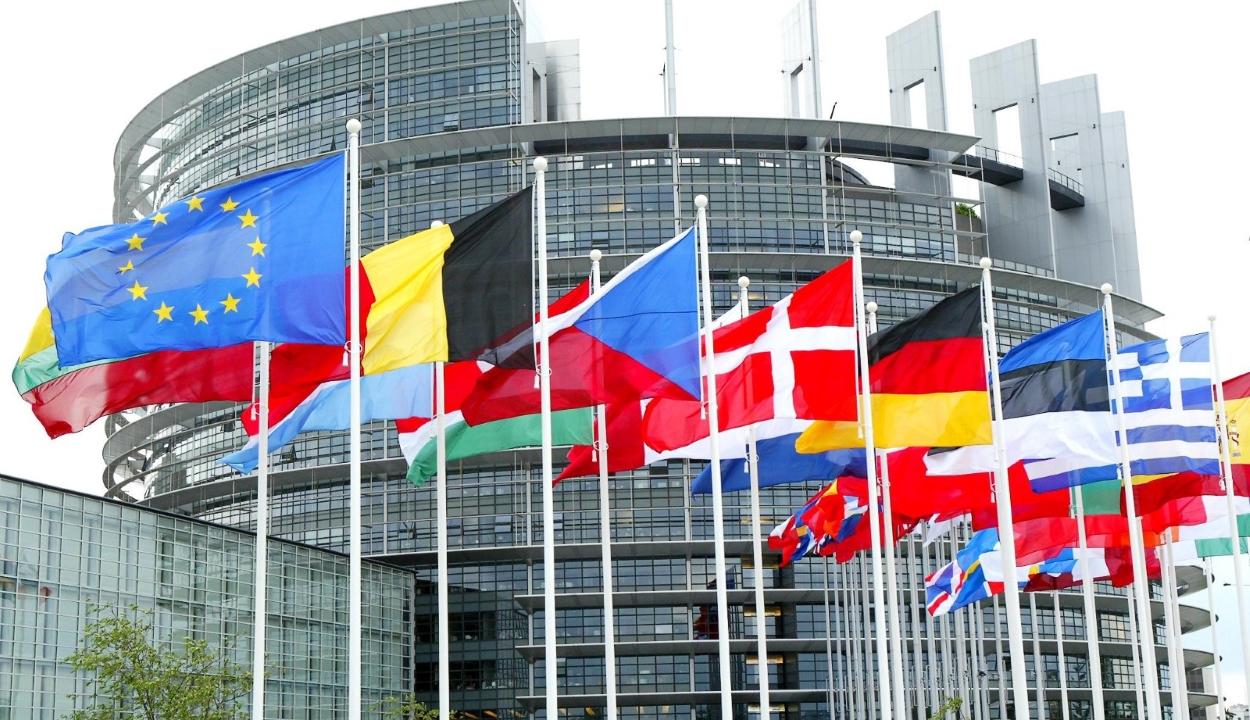 EP: állandó uniós mechanizmus létrehozására van szükség a jogállamiság védelmében