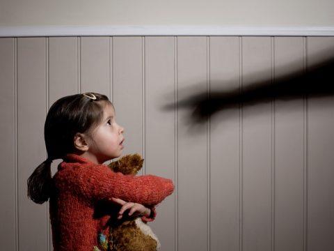 Több mint 15 ezer gyermekbántalmazási, -elhanyagolási és -kizsákmányolási esetet regisztráltak tavaly
