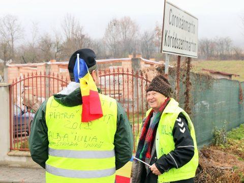Egy férfi Moldovából indult gyalog Gyulafehérvárra, és meg van elégedve a magyarokkal