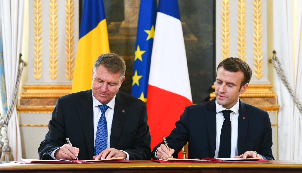 """Johannis Párizsban: Románia az Európai Unió """"kemény magjához"""" óhajt felzárkózni"""