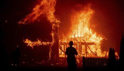 Már kilenc áldozata van a kaliforniai tűzvésznek, harmincöt embert eltűnt
