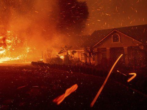 Egy egész város leégett a kaliforniai erdőtűzben