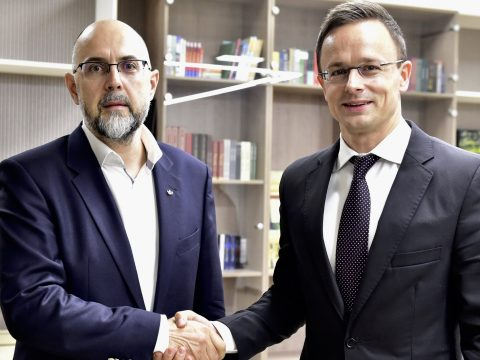 Szijjártó: Székelyföldre is kiterjeszti Magyarország a gazdaságfejlesztési programot