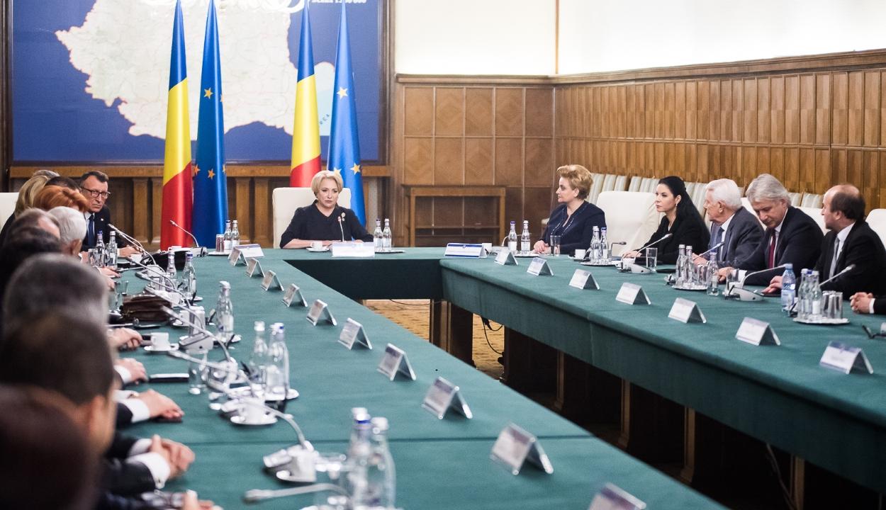 Jóváhagyta az államfő a Dăncilă-kormány új tagjainak kinevezését