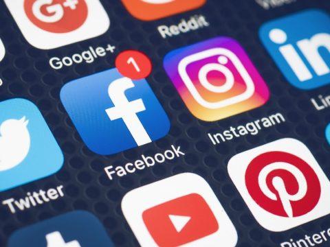 A közösségi média használata növelheti a depresszió és a magányosság érzését
