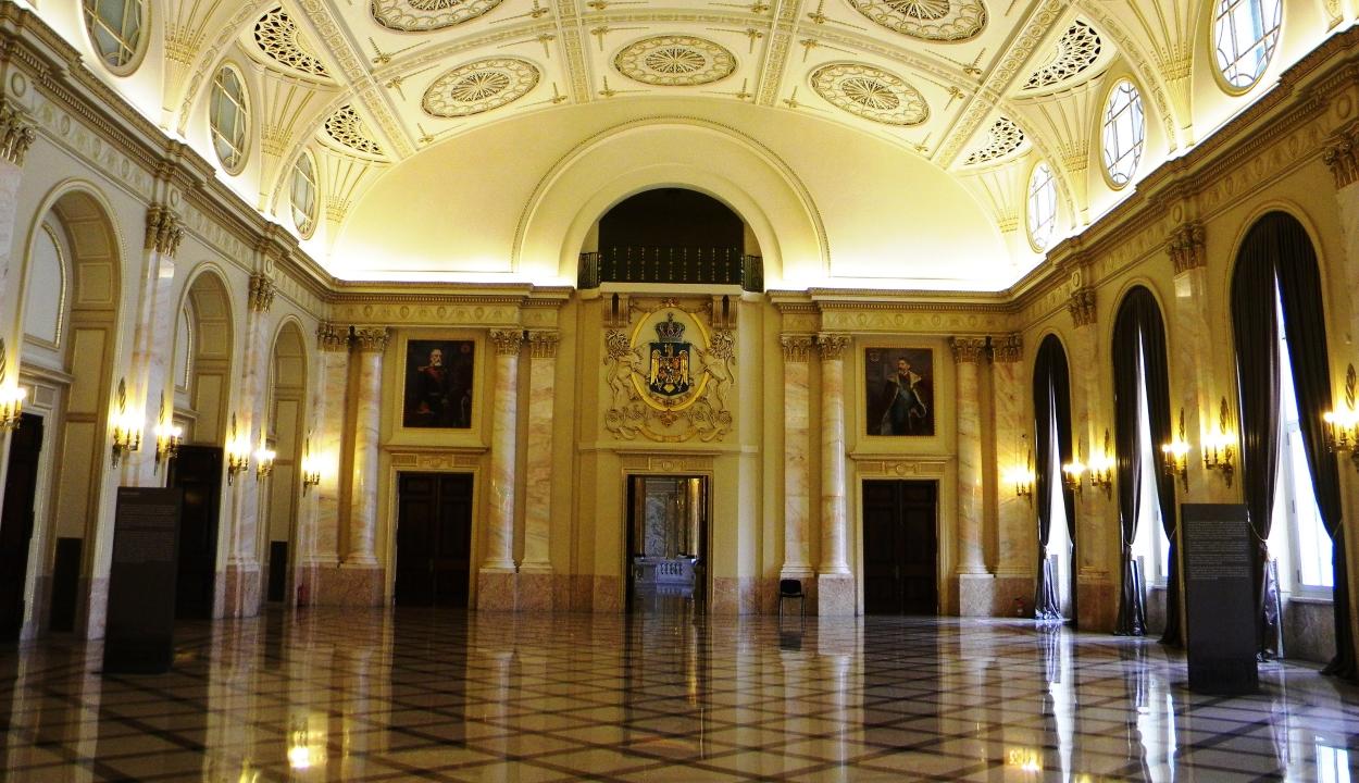 Politikusok ebédeltek a Nemzeti Művészeti Múzeumban, a PNL az igazgató lemondását kéri