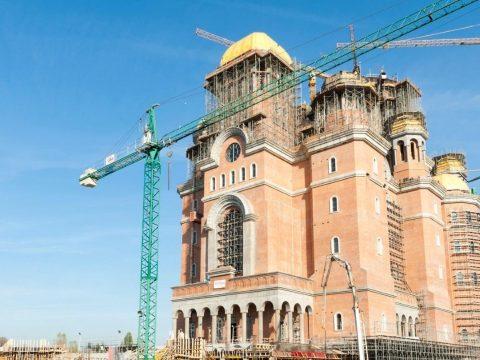 Vasárnap szentelik fel Románia legnagyobb ortodox katedrálisát