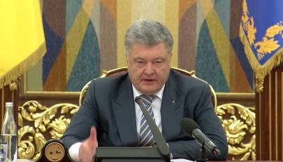 Megszavazta az ukrán parlament a hadiállapot bevezetését