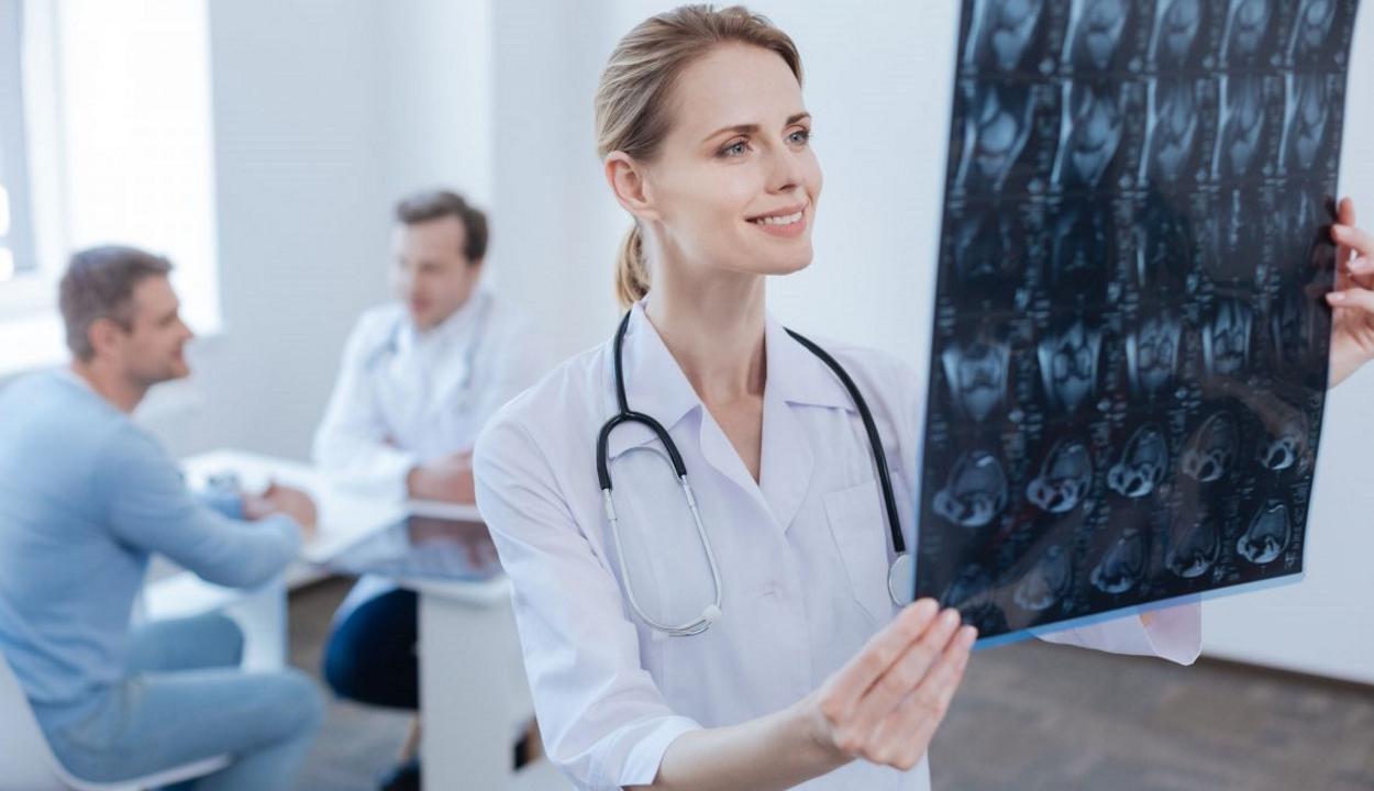 FRISSÍTVE: Megemelhetik a rezidens orvosi helyek számát