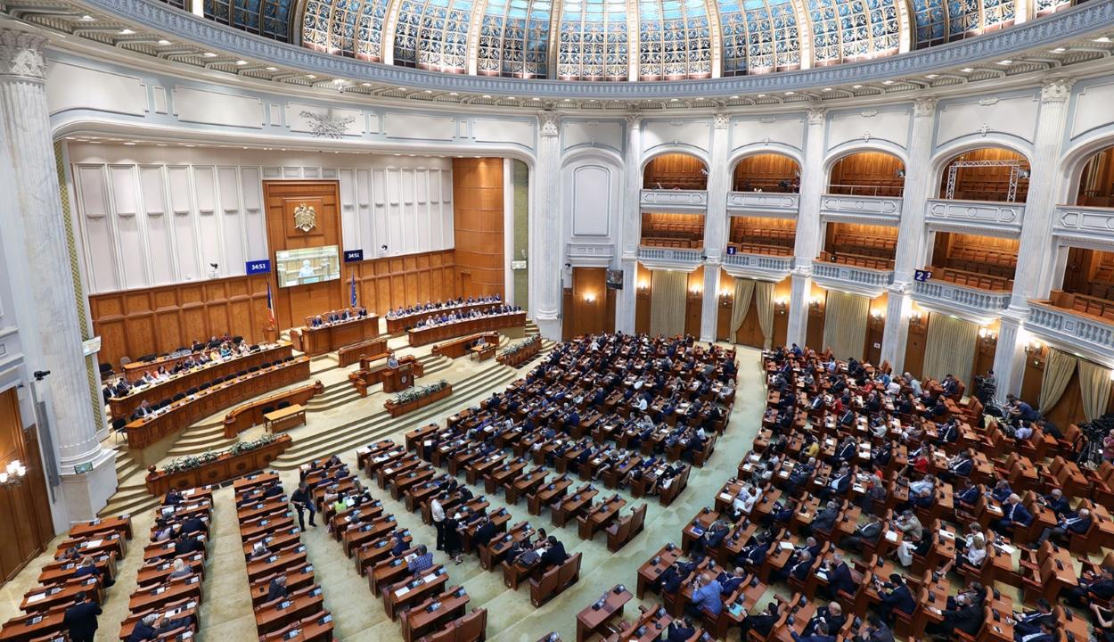 FRISSÍTVE: Három törvénytervezetért vállalt felelősséget a kormány