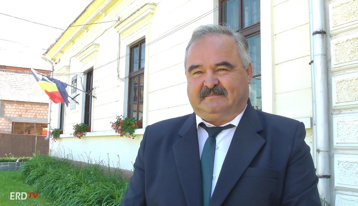 Gyászszalag miatt bírságolták meg a nagybaconi polgármestert