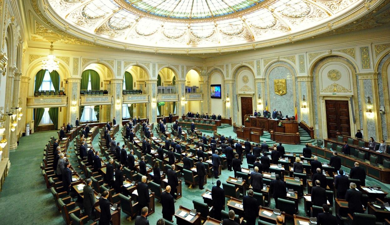 47 törvénytervezetet fogadott el hallgatólagosan a szenátus hétfőn