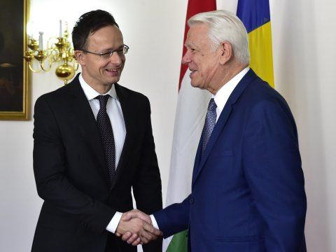 Úzvölgyi katonatemető: Szijjártó Péter telefonon beszélt a román külügyminiszterrel