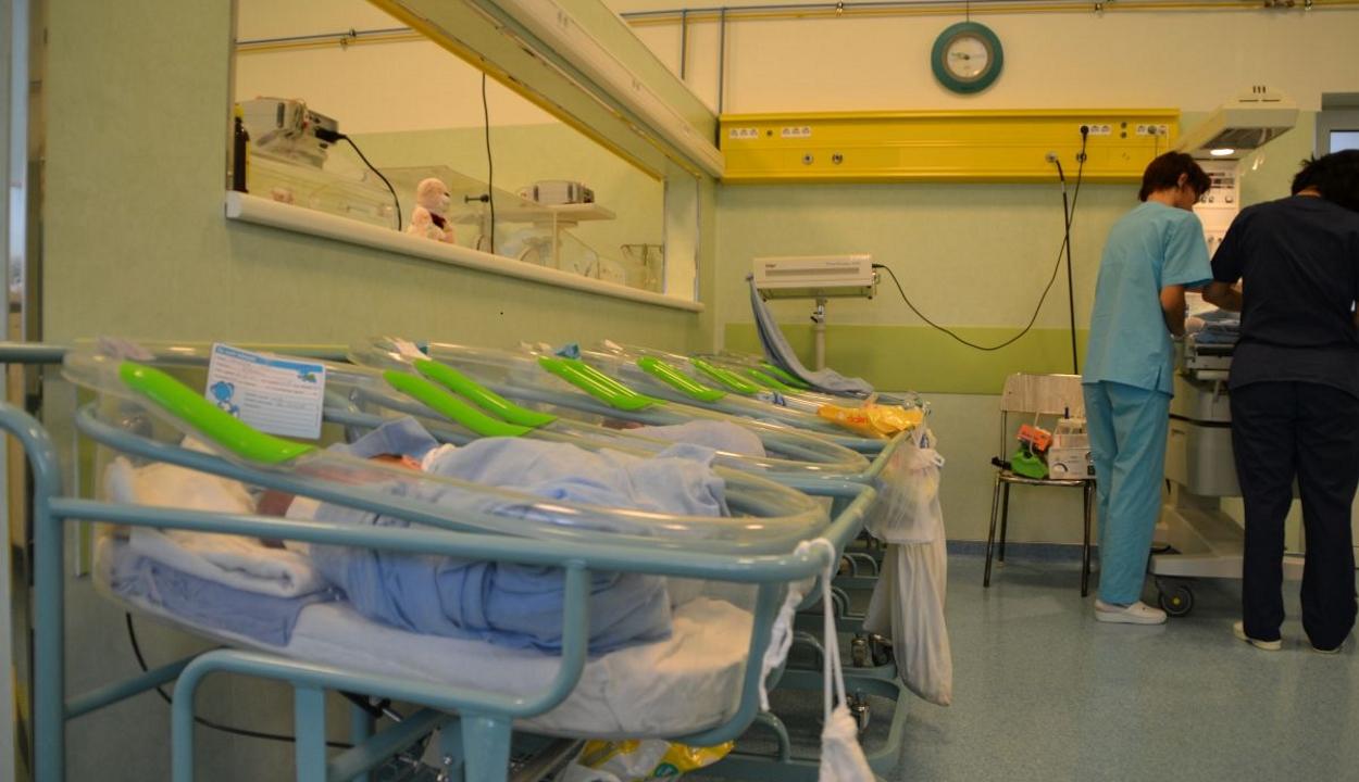 FRISSÍTVE: Staphylococcus baktériummal fertőződhetett meg több kisbaba egy bukaresti szülészeten