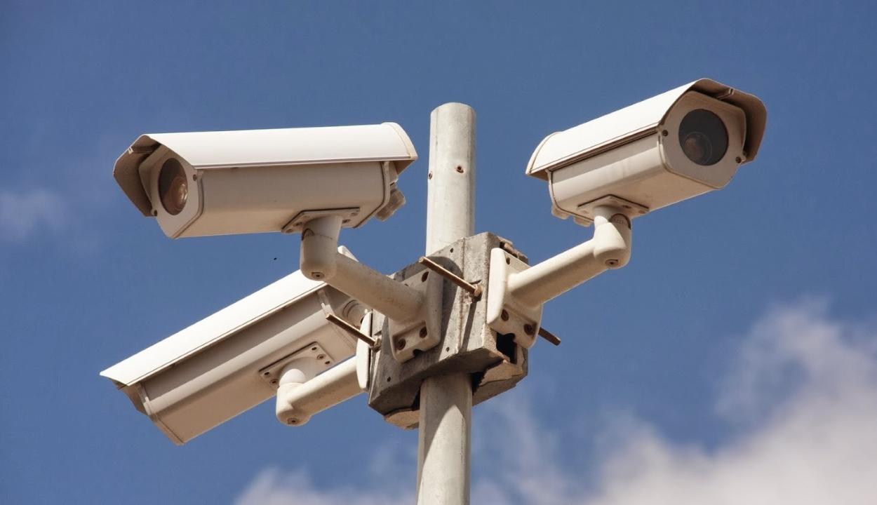 Minden térfigyelő kamerát elloptak egyetlen éjszaka alatt egy romániai faluban