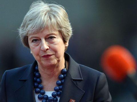 Bejelentette lemondását Theresa May brit miniszterelnök