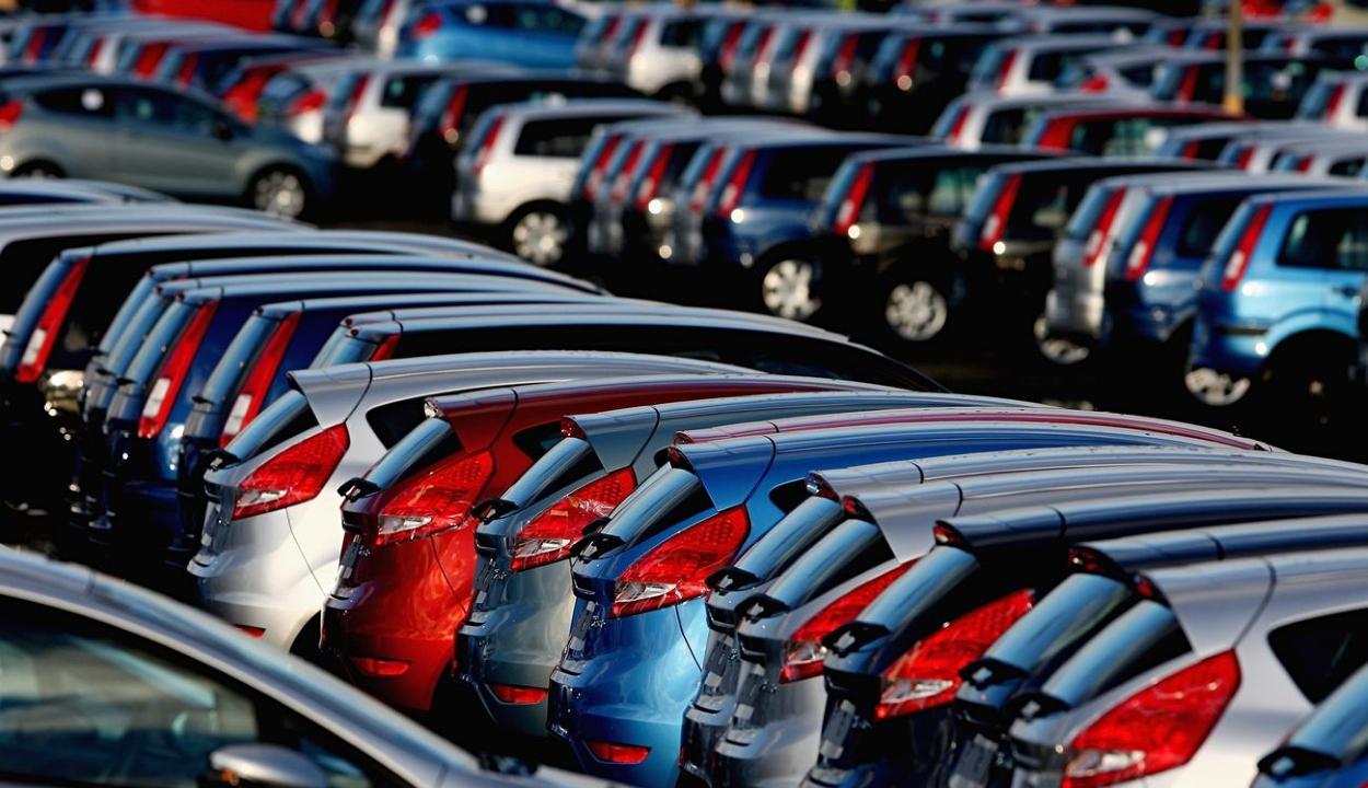 Közel tíz százalékkal nőtt az új autók eladása Romániában