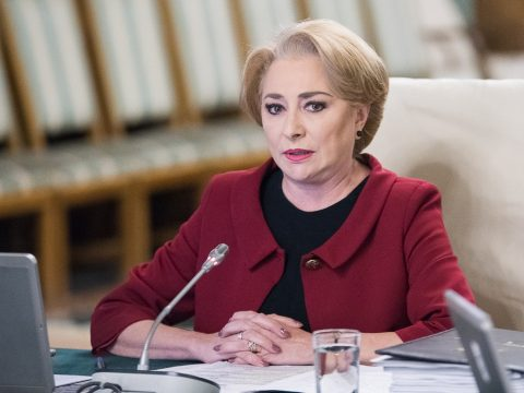 Dăncilă: Az ellenzék álhíreket terjeszt, hogy nincs pénz a nyugdíjakra és a bérekre