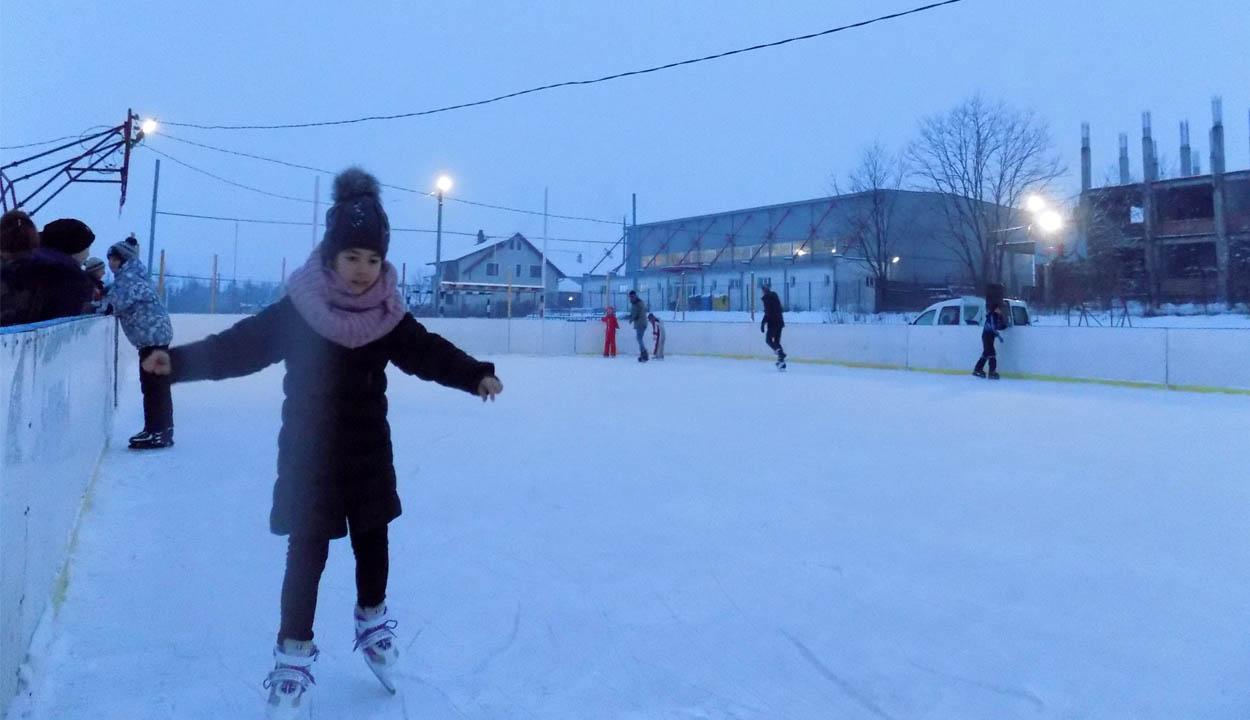 Megnyitnák a baróti korcsolyapályát
