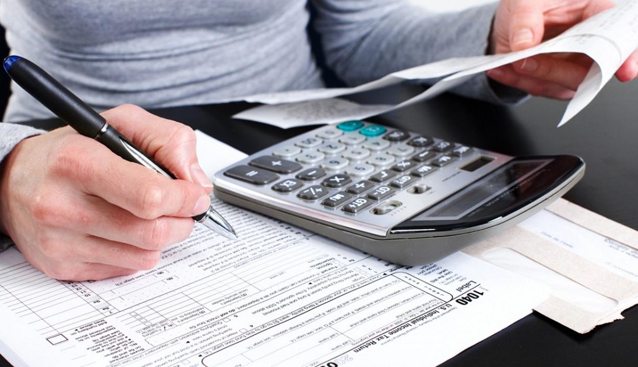 A jó adófizetőkből álló 'fehér listát' állítana össze az adóhatóság