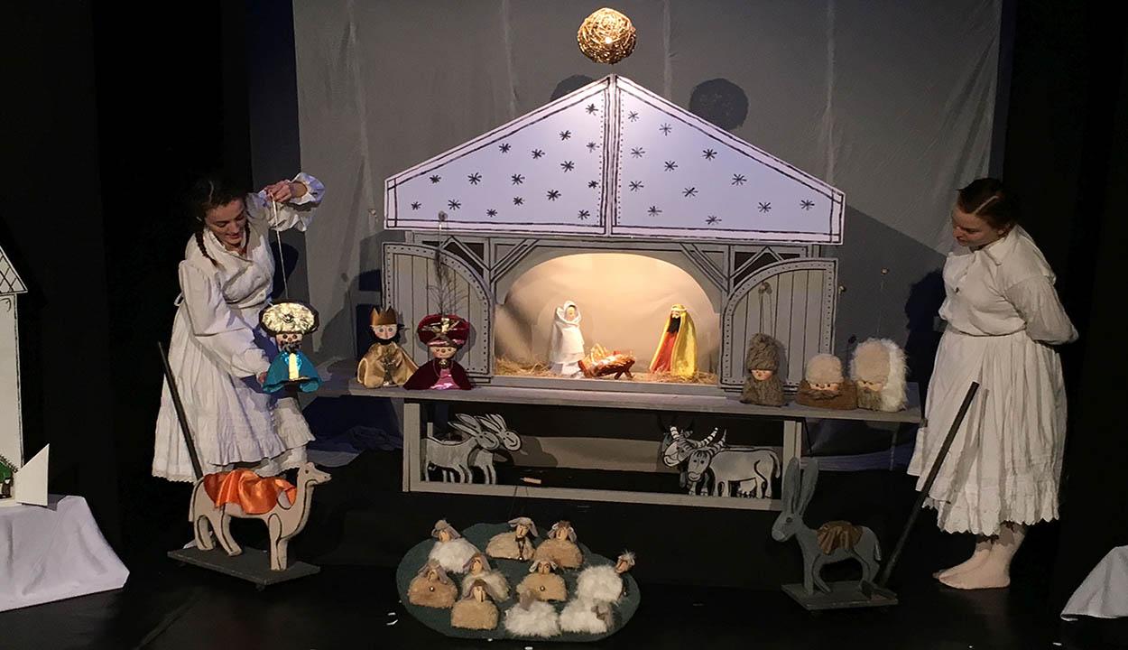 Advent a bábszínházban