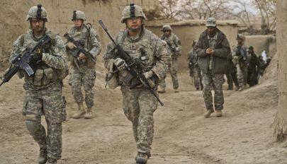 Újabb országból készül kivonni csapatait az Egyesült Államok