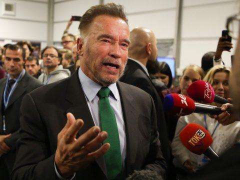 Schwarzenegger bolondnak nevezte Trumpot
