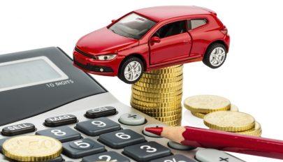 Versenytanács: a kötelező autóbiztosítást a gépkocsivezető nevére kellene megkötni