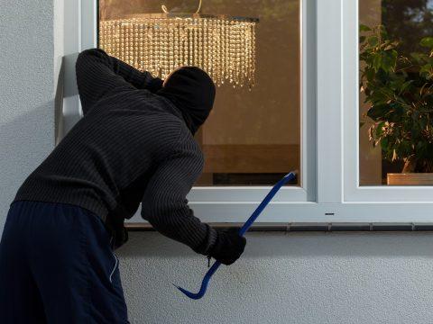 Több mint 15 ezer eurót loptak el egy gidófalvi lakásból