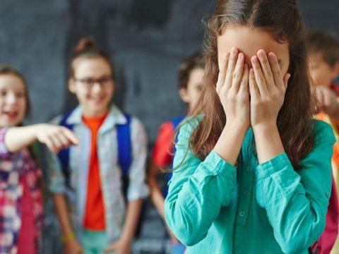 Betiltották az iskolai bullyingot Romániában