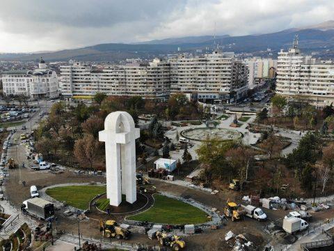 Felavatták Gyulafehérváron az egyesülés emlékművét