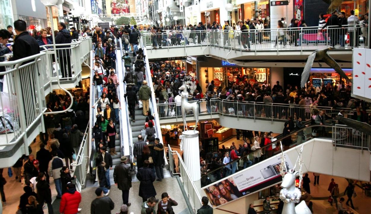 Június 15-től kinyithatnak a bevásárlóközpontok, de a mozik egyelőre zárva maradnak
